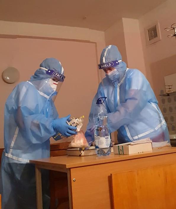 Hình ảnh y bác sĩ và bệnh viện ở Kiev (Ảnh: NVCC)